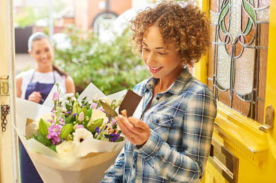 Benefits of Getting Monthly Flower Delivery
